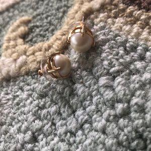 NWOT Kate Spade New York pearl stud earrings